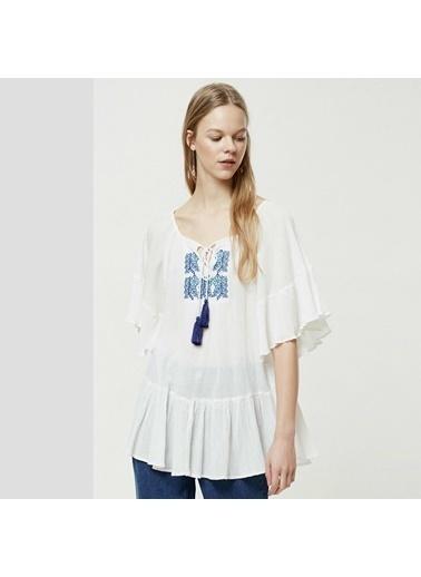 Yargıcı Kadın Nakış Detaylı Bluz 0YKGM6108X Beyaz
